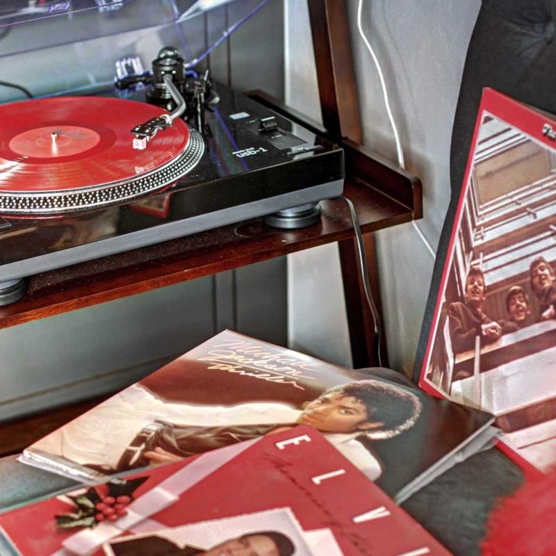 Vinyl Turn Table